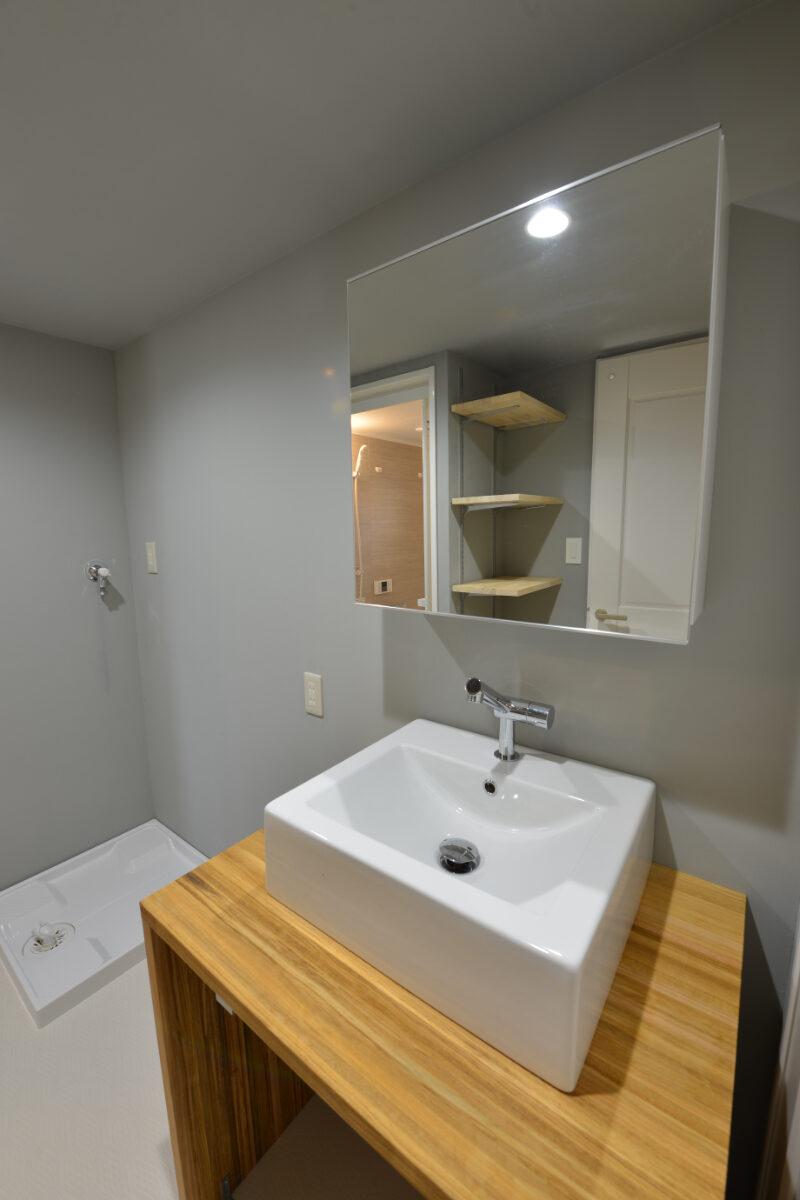 リノベーション後の洗面室